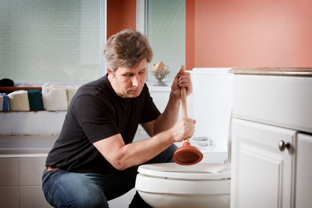 handyman-using-plumber
